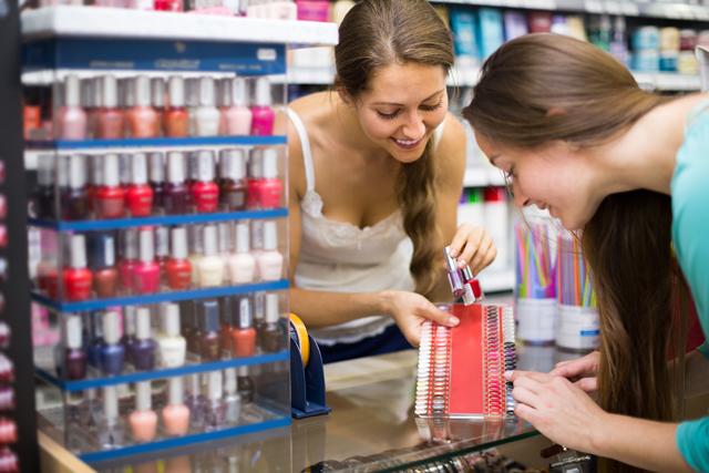 где закупают косметику известные московские магазины