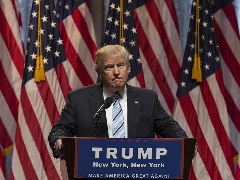 Опросы внеопределившихся штатах предвещают победу Клинтон навыборах