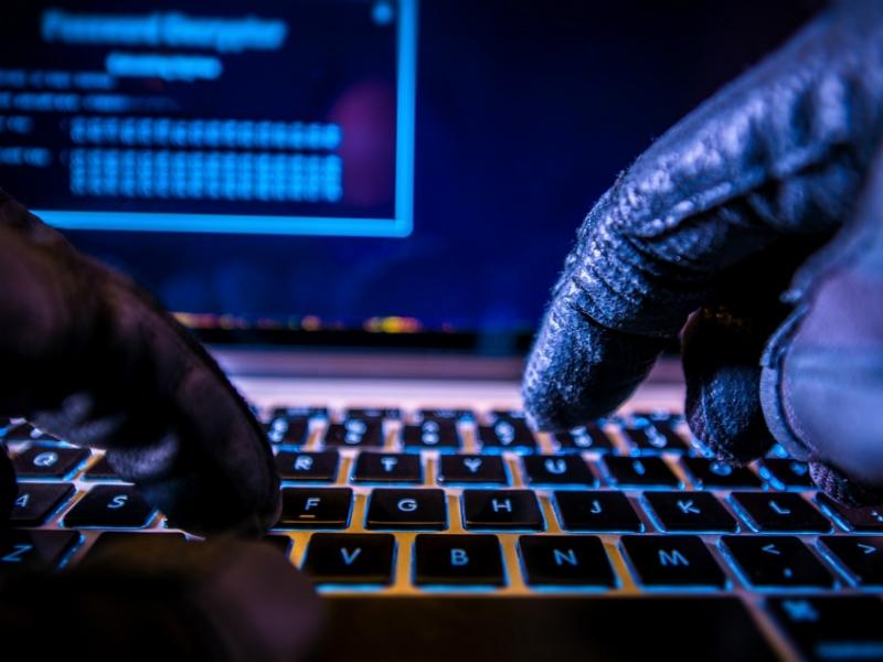 Западные СМИ назвали жителя России, ссерверов которого хакеры атаковали США