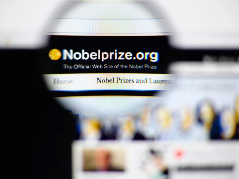 Нобелевскую премию помедицине вручили за исследование самопоедания клеток