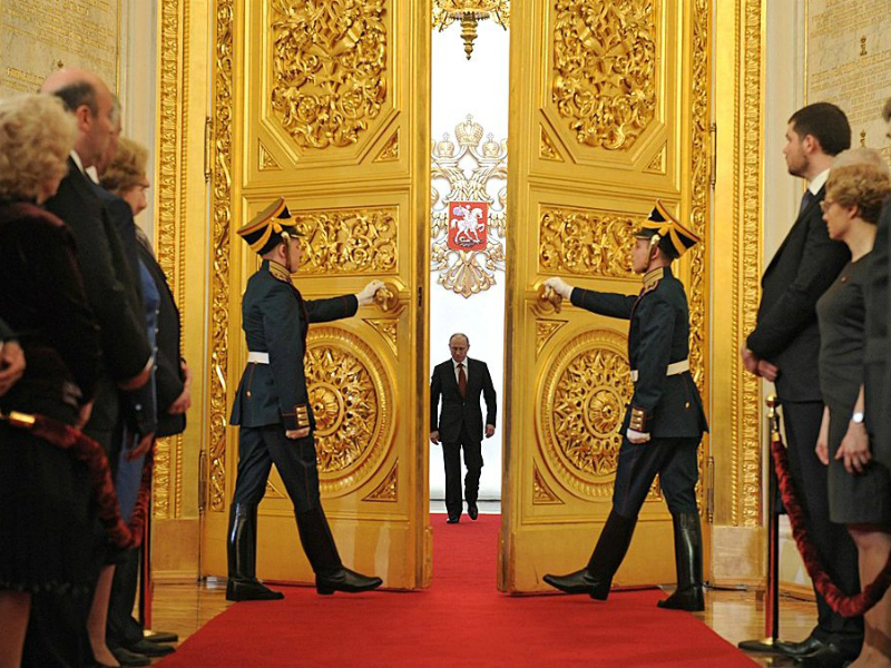 Руководитель Крыма: Путин должен быть пожизненным президентом