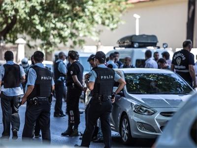 При взрыва в известном туристическом районе Стамбула погибли 10 человек