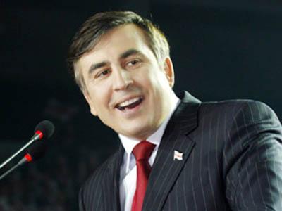 Саакашвилии все подготовил для того, чтобы воспроизвести тот же маневр, в результате которого Путин в 2008 году смог сохранить власть в своих руках