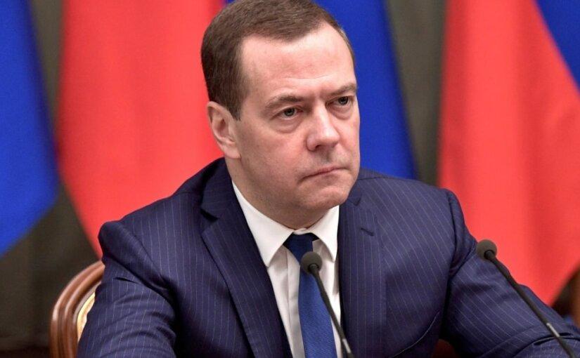 Медведев раскритиковал «Роскосмос»