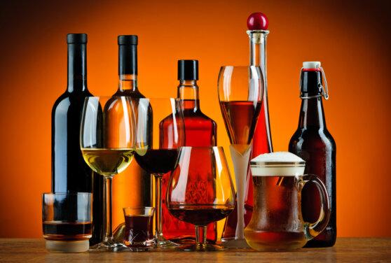 Теневой оборот алкоголя в Интернете составил 2,1 млрд рублей