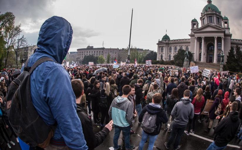 Сербы вновь прошли с маршем протеста против президента