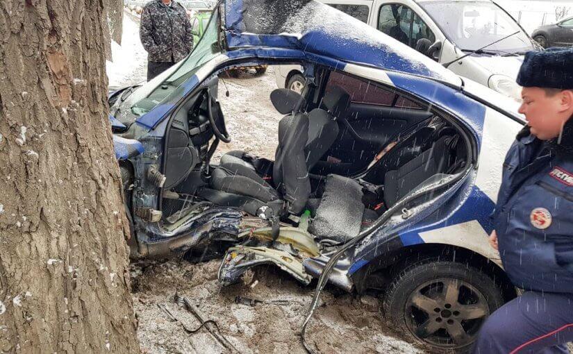 Пять человек получили ранения после ДТП на юге Москвы