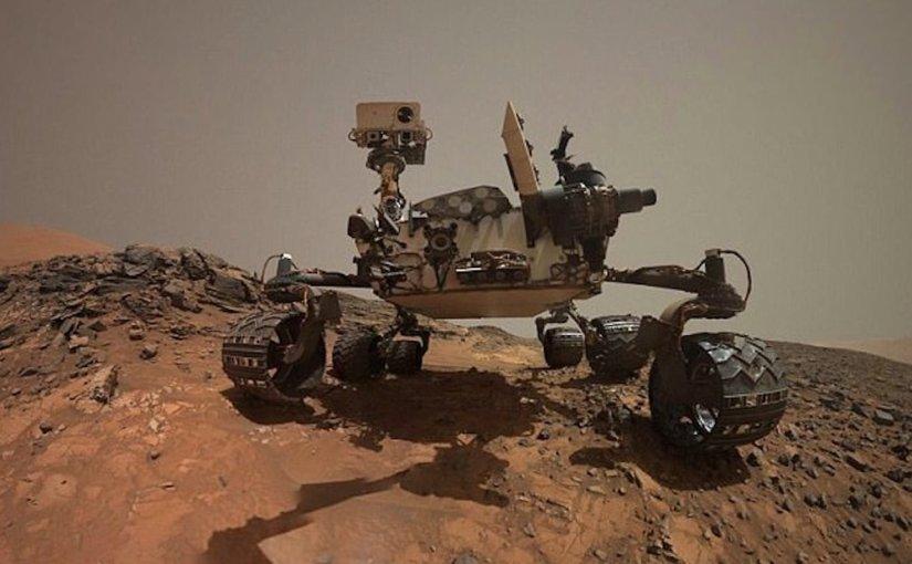 Curiosity обнаружил на Марсе странный светящийся объект