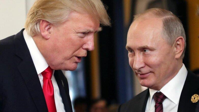 Дональд Трамп и Владимир Путин говорят