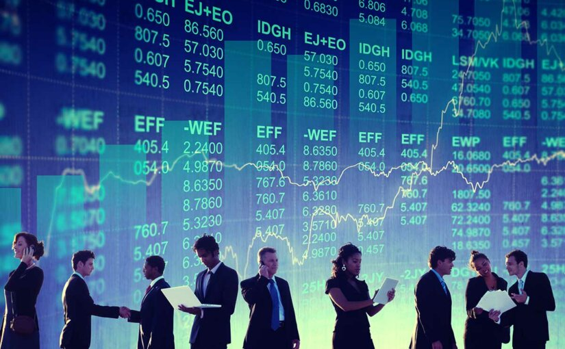 Эксперты советуют инвесторам меньше рисковать, следовать курсу доллара ииграть только вкороткую