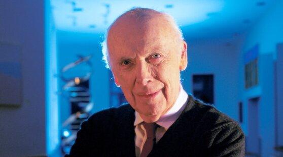 Нобелевского лауреата лишили почетных званий за скепсис в отношении интеллекта негров