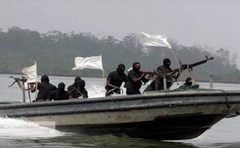 Пираты захватили шестерых российских моряков у берегов Бенина