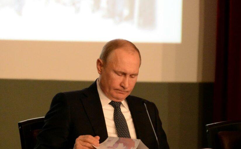 Time во второй раз не включил Путина в рейтинг влиятельных лидеров