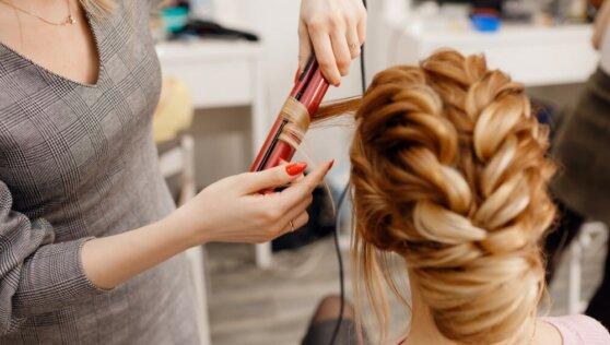 Стало известно об основных расходах россиян в салонах красоты