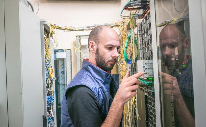 Операторов связи обяжут покупать российское оборудование