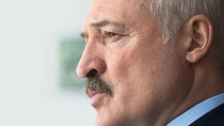 Президент Белоруссии Александр Лукашенко серьезный прищур