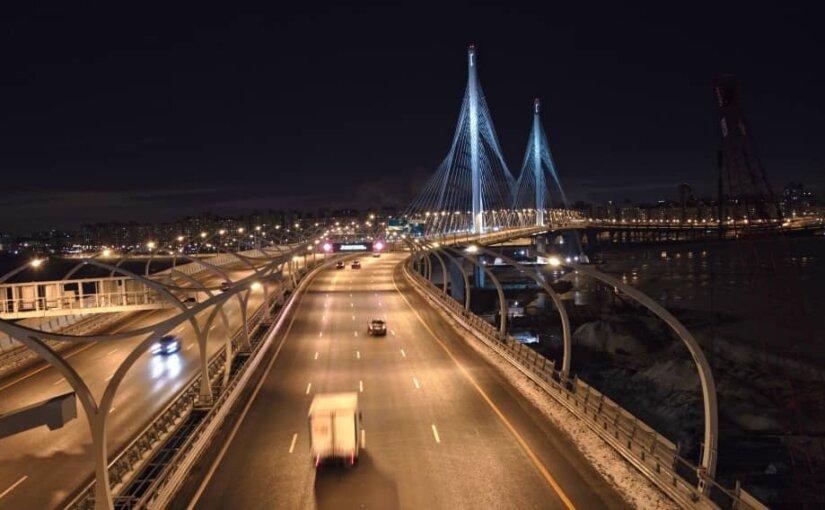 Водители стали чаще ездить по платной автомагистрали в Петербурге в 2018