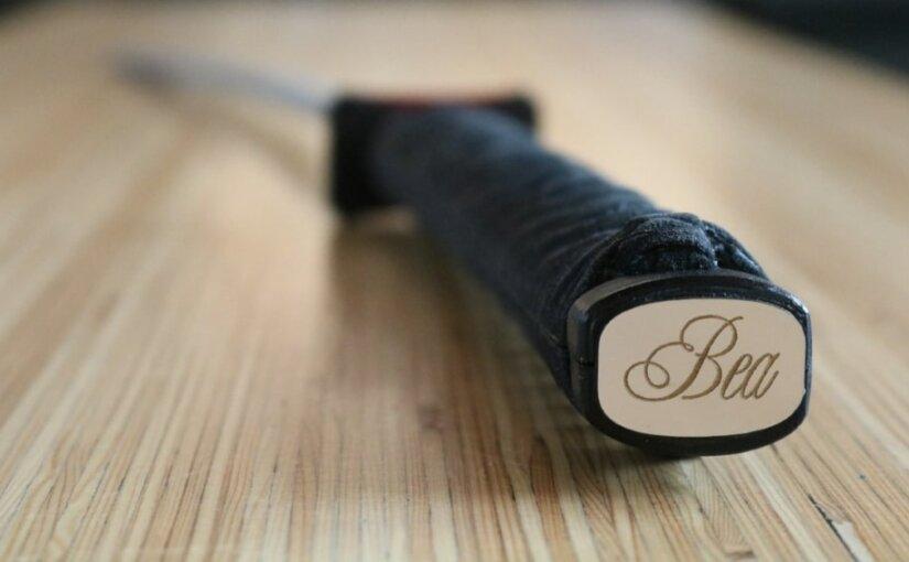 Рейндольдс продаст меч «Дэдпула» и поможет благотворительному фонду