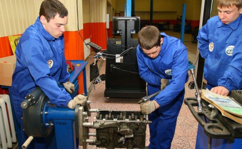На Урале заработала эффективная программа подготовки рабочих кадров