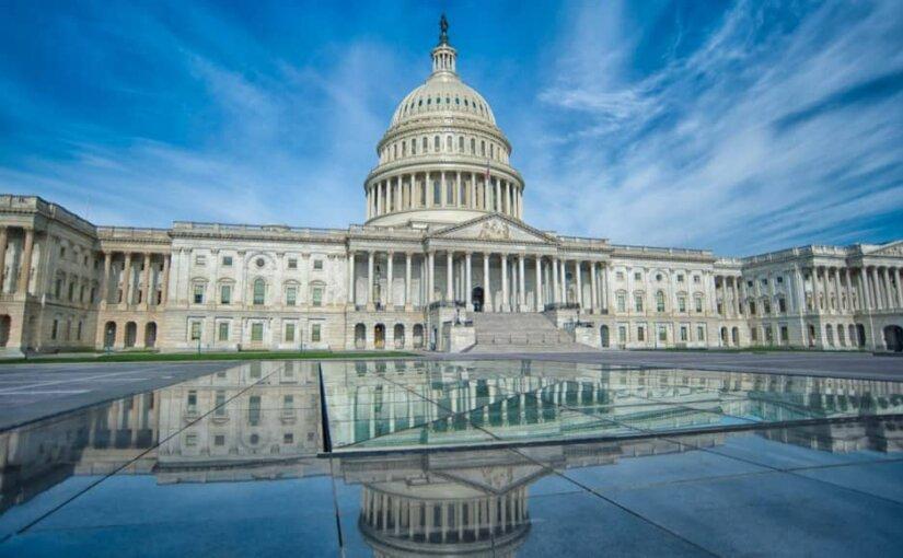 Конгресс назвал решение Трампа о введении режима ЧП «грубым злоупотреблением властью»