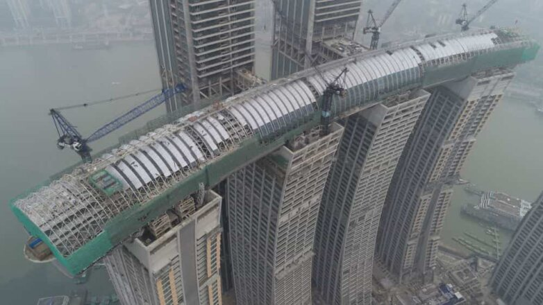 Строительство комплекса Raffles City Chongqing