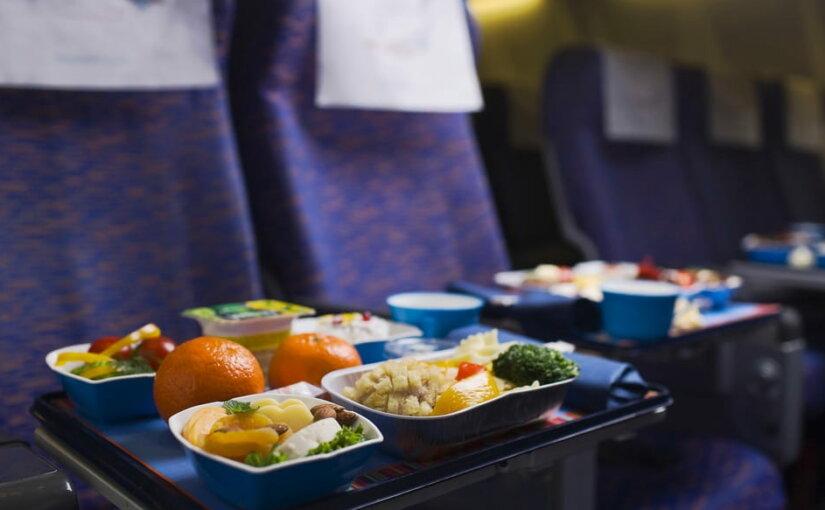Среди пассажиров авиакомпаний растет популярность халяльных и кошерных блюд