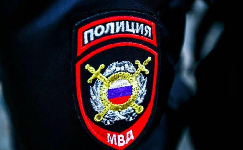 Сотрудницу, заказавшую стриптиз для отдела полиции, уволили
