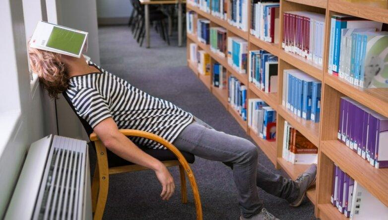 Библиотека, книги, сон
