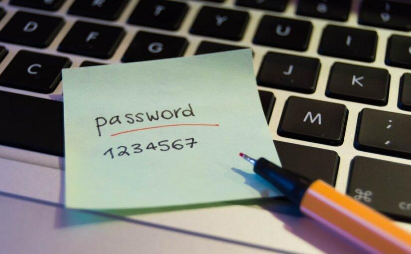 Сервис Google будет предупреждать о небезопасных паролях