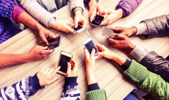 От аккумулятора до челки: что раздражает пользователей смартфонов