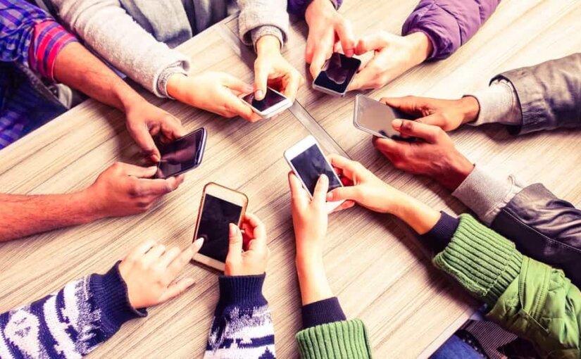 От 100 до 950 евро: названы цены на новые гаджеты от Nokia и Sony