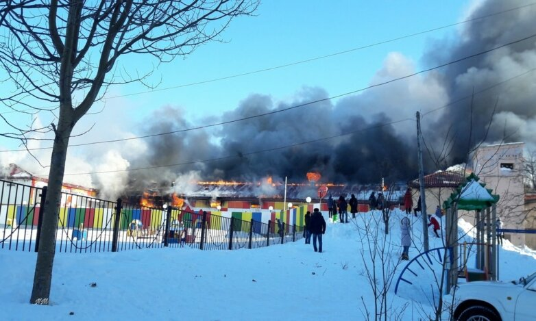 Возгорание торгового центра в г. Оха