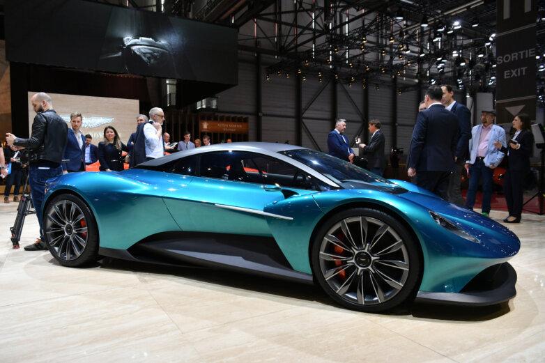 Даже спорткары переходят на электрическую тягу, о чем свидетельствует премьера Aston Martin Vanquish. Правда, на данный момент лишь ясно, как этот электрокар будет выглядеть. Его разработка продолжается, а поступление на рынок ожидается не ранее 2022 года.
