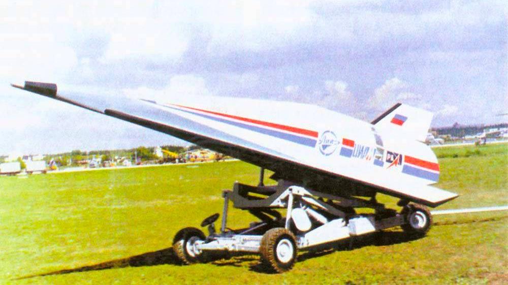 """Проект гиперзвукового самолета """"Игла"""" на криогенном топливе. Выставка МАКС-2005"""