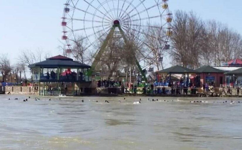 В Ираке перевернулся туристический паром
