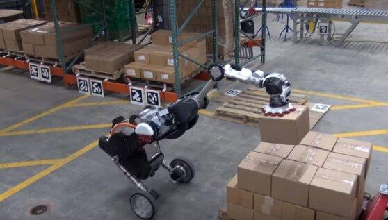 Возможности нового робота Boston Dynamics продемонстрировали на видео