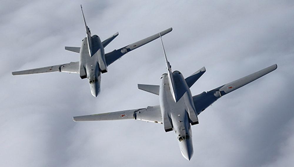 Сверхзвуковой ракетоносец-бомбардировщик Ту-22М3 два