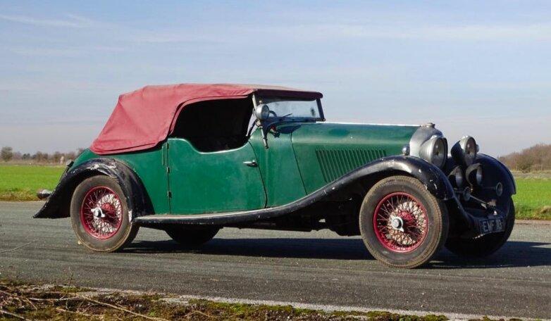Простоявший 30 лет в гараже Bentley продали за 40 млн рублей