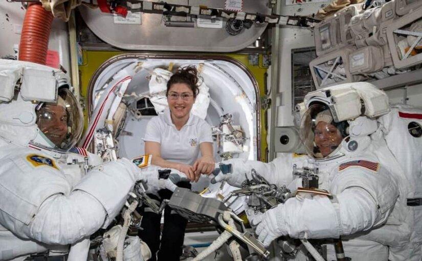 NASA отменило первый в истории выход двух женщин в открытый космос