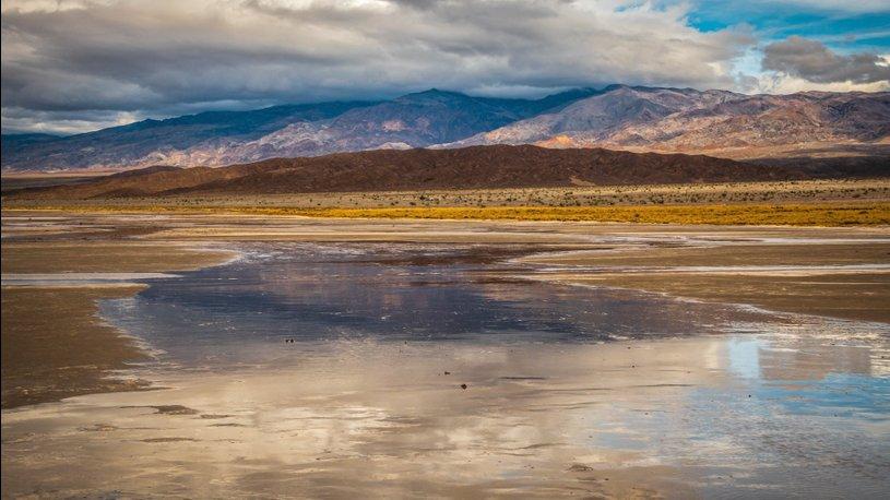 В самой засушливой пустыне Америки появилось озеро