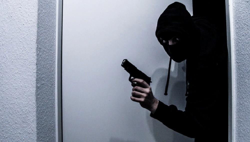 ограбление, грабитель