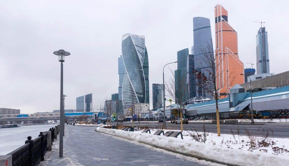 Пасмурно Москва