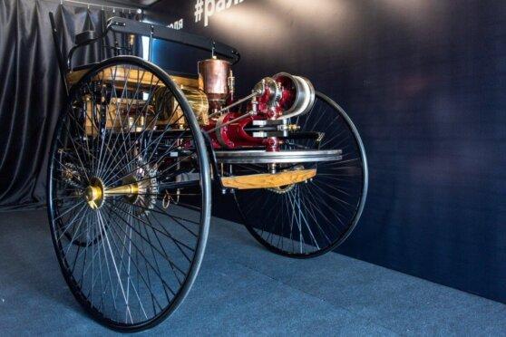 В Екатеринбурге стартовал фестиваль ретро-автомобилей