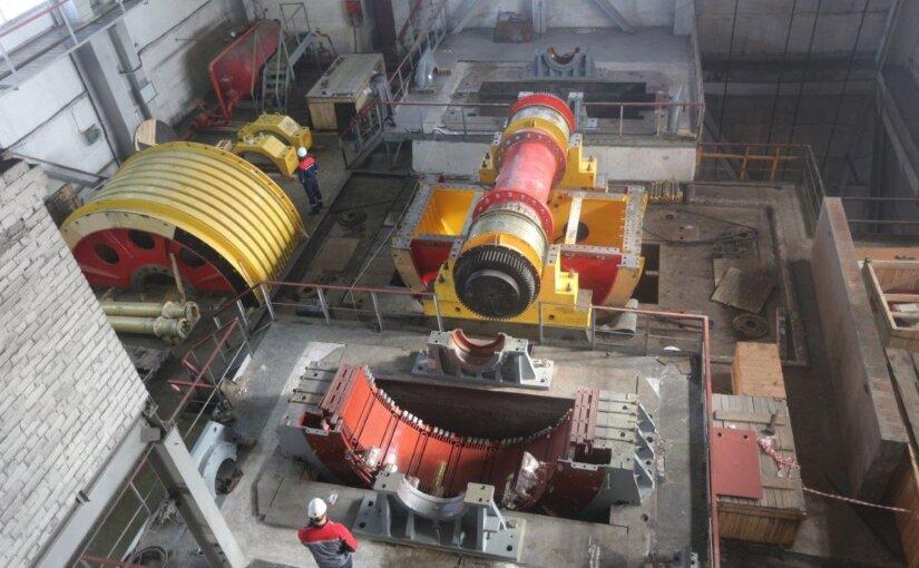 На Гайском ГОКе монтируется первая отечественная шахтная подъемная установка