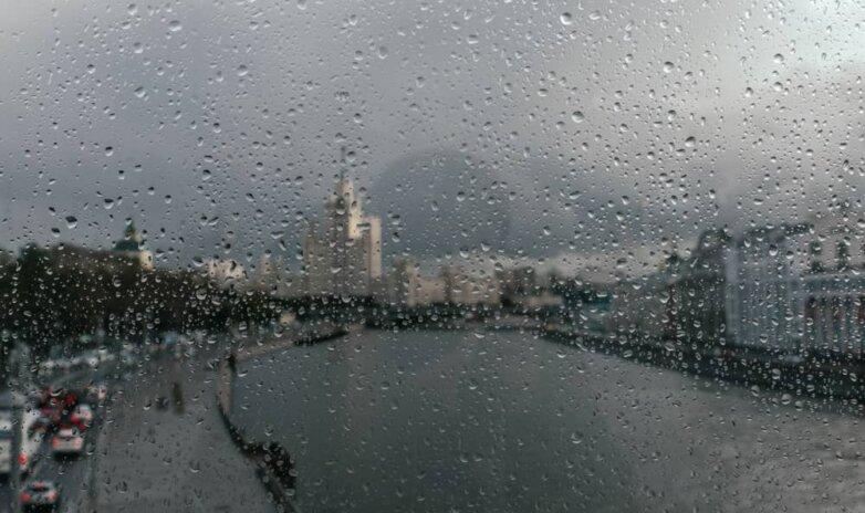 Москва, дождь