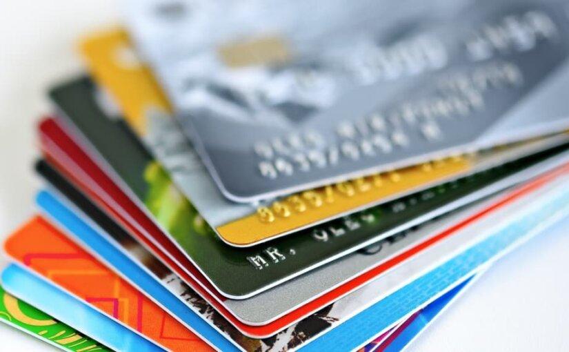 Клиенты трети российских банков могут лишиться карт из-за санкций США