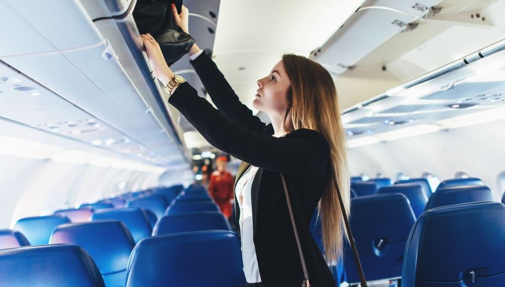 Самолёт, борт, салон, багаж, ручная кладь