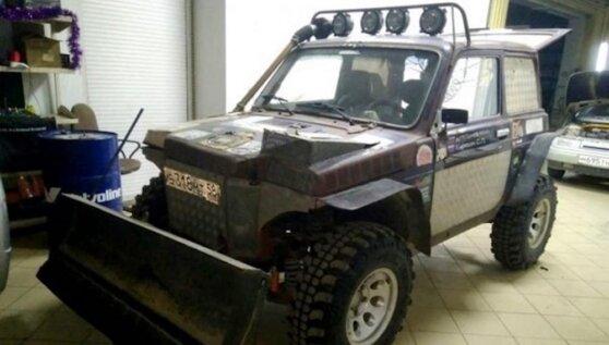 В России «Ниву» поставили на раму, создав «мечту тракториста»