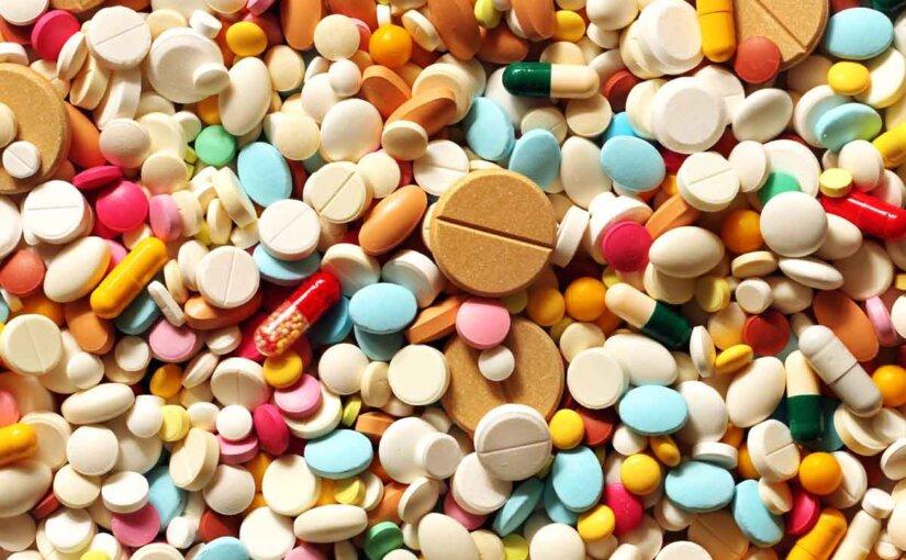 Российским фармацевтам рекомендуют не тратить силы на новые разработки, а учиться копировать уже существующие препараты