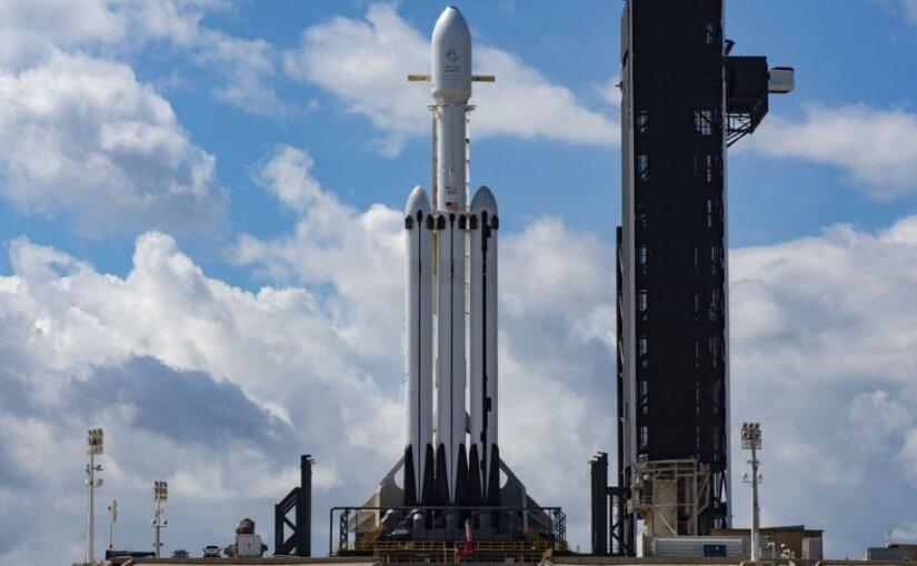 SpaceX потеряла в океане первую ступень ракеты Falcon Heavy